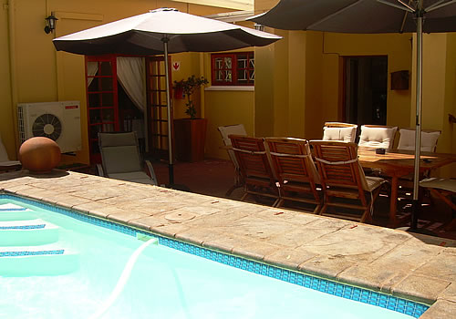 Strelitzia Guest House | Upington Accommodation | Bed and Breakfast | Northern Cape