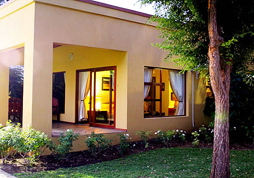 Sun River Kalahari Lodge | River Front Guesthouse Accommodation & Wedding Venue
